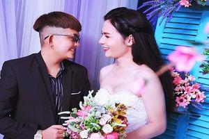 Bộ ảnh cưới 'chụp trước, cưới sau' của cặp đôi hoán đổi giới tính cho nhau