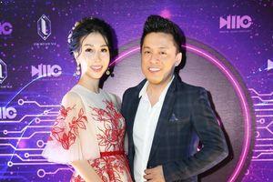 Lam Trường bẽn lẽn hội ngộ Hoa hậu Điện ảnh Đặng Thanh Mai