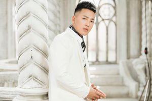 Châu Khải Phong tung MV sau khi 'Ngắm hoa lệ rơi' đạt 30 triệu view