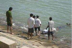 Tá hỏa phát hiện thi thể không đầu trôi dạt trên biển Bình Thuận