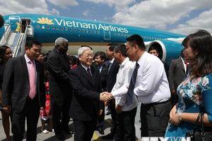 Tổng Bí thư gặp nhân viên Đại sứ quán và cộng đồng người Việt tại Cuba