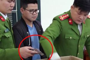 Kẻ buôn lượng vũ khí 'khủng' từ Trung Quốc về Hà Nội bị bắt