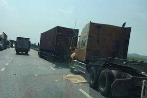 2 người đàn ông tử vong dưới bánh xe container ở Bắc Ninh