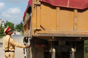 Huyện Tân Yên – Bắc Giang: Quyết tâm 'dẹp' xe quá khổ, quá tải