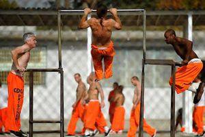 Sự thật đáng sợ về tình trạng xâm hại tình dục phạm nhân nam trong các nhà tù của Mỹ