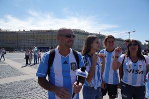 Nhật ký World Cup: 'Messi là số 1, chúng tôi sẽ chiến thắng'