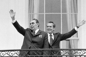 Lãnh đạo Liên Xô Brezhnev từng lái xe chở Tổng thống Mỹ Nixon