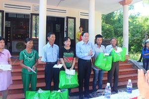 Chủ tịch Trần Thanh Mẫn thăm, tặng quà một số gia đình chính sách tại Quảng Nam