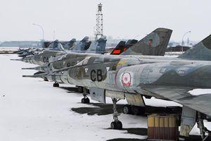 Đột nhập nghĩa địa máy bay tiền tỷ của Không quân Pháp