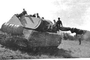 Bi thảm số phận chiếc Panzer cuối cùng của phát xít Đức