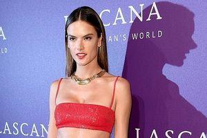 Alessandra Ambrosio cuốn hút với 'eo con kiến' trên thảm đỏ thời trang