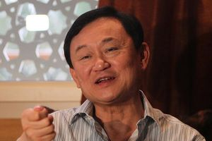 Tòa án Thái Lan phát lệnh bắt thứ 5 với ông Thaksin