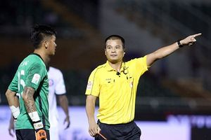 'Mưa án phạt' cho trận đấu giữa TPHCM và Đà Nẵng