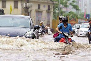 Tại sao cứ mưa lớn phố phường cả nước lại thành 'sông'?
