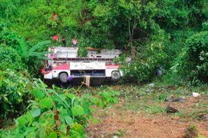 Vụ xe khách lao xuống vực ở Cao Bằng: Thót tim em bé 11 tuổi gọi không thưa tưởng đã ra đi, đột ngột tỉnh lại