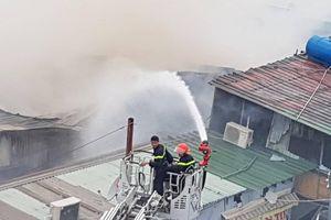 Cháy xưởng gỗ gần siêu thị Co.op Mart Thắng Lợi