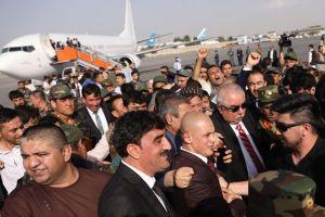Đánh bom 'đón' Phó Tổng thống Afghanistan trở về, 64 người thương vong
