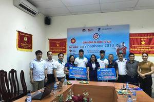 Trung tâm Kinh doanh VNPT Nghệ An trao quà cho cầu thủ đội tuyển U23 Việt Nam