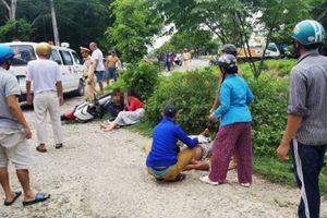 Chạy trốn CSGT, 2 cô gái đi xe exciter đâm người đi bộ lăn nhiều vòng