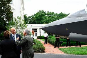 Nóng nhất hôm nay: Tổng thống Mỹ 'mục sở thị' máy bay chiến đấu F-35 tại Nhà Trắng