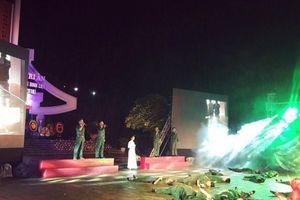 Xúc động chương trình nghệ thuật diễn ra ngay tại Nghĩa trang Vị Xuyên
