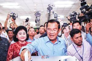 Bầu cử QH Campuchia: Đảng ông Hun Sen nói thắng 70%-80% phiếu