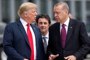 Mỹ chính thức trừng phạt Thổ Nhĩ Kỳ vì giam giữ mục sư Brunson