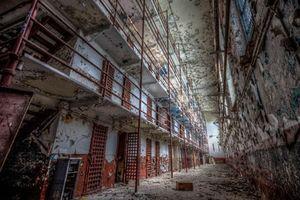 Lạnh gáy nhà tù bỏ hoang chục năm ở Mỹ