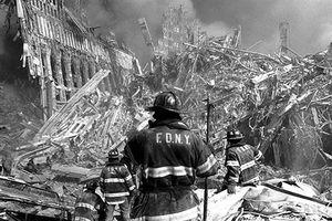 Ảnh đen trắng khó quên vụ tấn công khủng bố 11/9