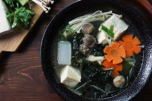 Mùa Vu Lan: Lạ miệng với món canh rong biển đậu hũ chay