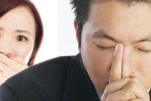 Méo mặt khi vợ vạch chuyện chồng cặp bồ, so sánh với chồng người ta trên mạng xã hội
