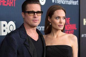 Lùm xùm cuộc chiến giành con của Angelina Jolie - Brad Pitt