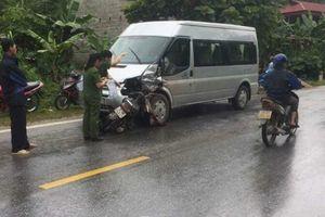 Đâm trực diện xe khách 16 chỗ, đôi nam nữ tử vong tại chỗ