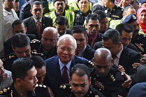 Cựu Thủ tướng Malaysia phải trình diện Ủy ban Chống tham nhũng