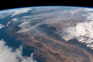 Thảm họa cháy rừng ở California nhìn từ ngoài trái đất