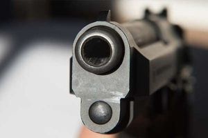 Cãi vã tại quán nhậu, thanh niên dùng súng bắn chết người