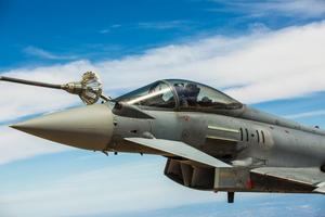 NATO ngừng tập trận sau tai nạn 'vô tình' bắn tên lửa