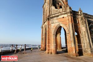 Nhà thờ đổ Hải Lý - Chứng tích biến đổi khí hậu