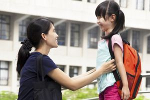 Những pha khiến mẹ thót tim sau gần 1 tuần con vào lớp 1