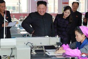 Ảnh hiếm về những lần 'vi hành' của lãnh đạo Triều Tiên Kim Jong-un