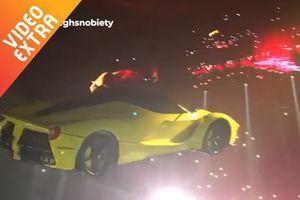 Siêu xe Ferrari bay lơ lửng giữa buổi hòa nhạc của Drake