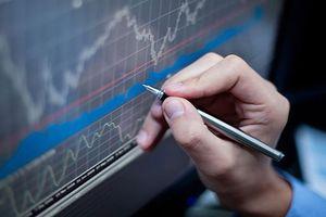 Nhà đầu tư nên tận dụng chốt lời nhóm cổ phiếu ngân hàng và dầu khí