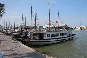 Để tàu đắm, thuyền trưởng bị cấm làm việc trên tàu du lịch