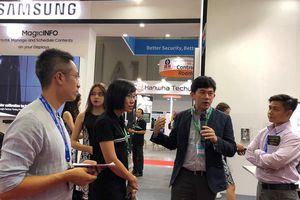 Samsung trình diễn các giải pháp màn hình trình chiếu và kiểm soát an ninh toàn diện cho doanh nghiệp