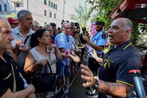 Hàng trăm người dân Italy gấp rút sơ tán sau vụ sập cầu Morandi