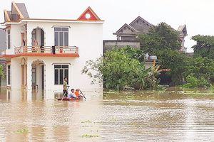 Mưa lũ sau bão, hàng ngàn nhà dân bị ngập sâu