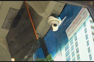Đà Nẵng chặn hướng dẫn viên hoạt động trái phép bằng camera