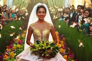 'Crazy Rich Asians' đại thắng, đánh bật cả 'The Meg' và 'Mile 22'