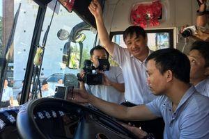 Đà Nẵng: Lắp đặt camera trên xe du lịch 'dẹp' hướng dẫn viên chui