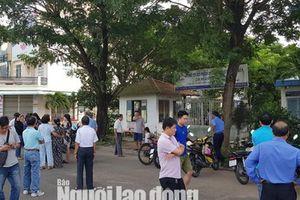 Hơn 30 hộ dân 'ấm ức' vì bị công ty 'ngâm' sổ đỏ